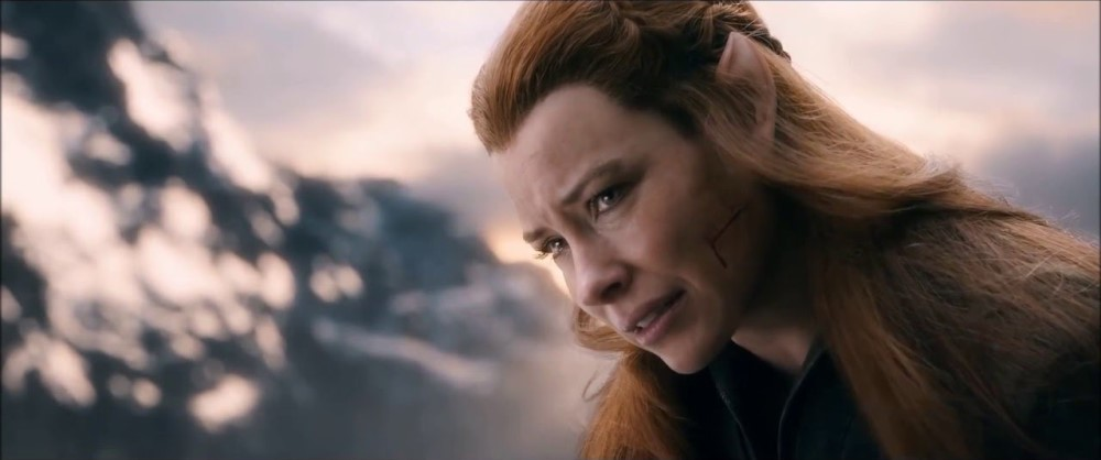 still of a crying tauriel in the hobbit: the battle of the five armies