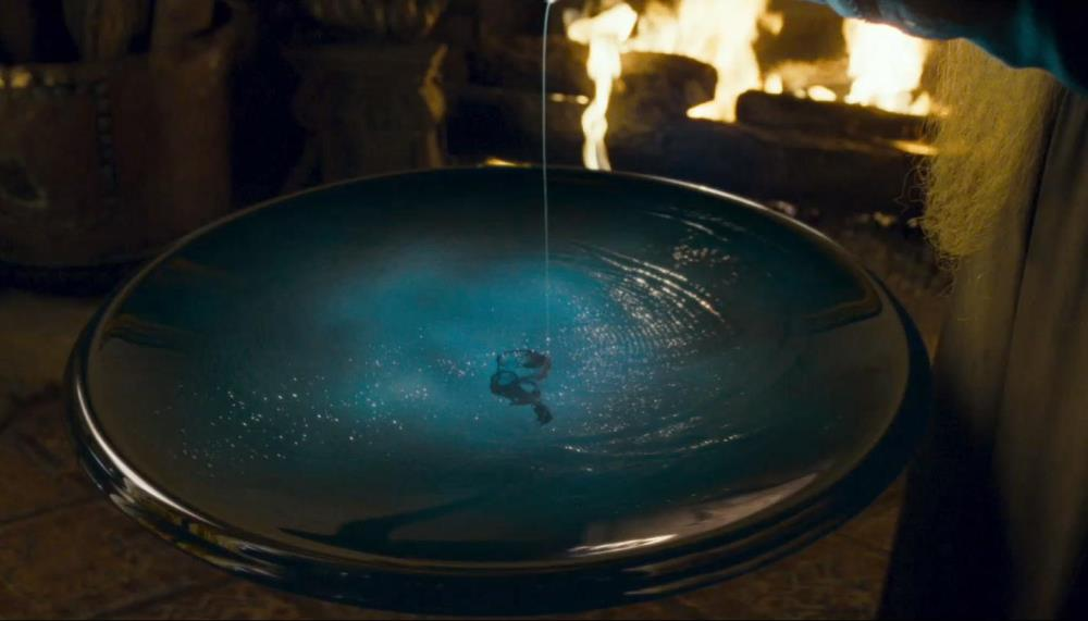 Still of the pensieve from Harry potter