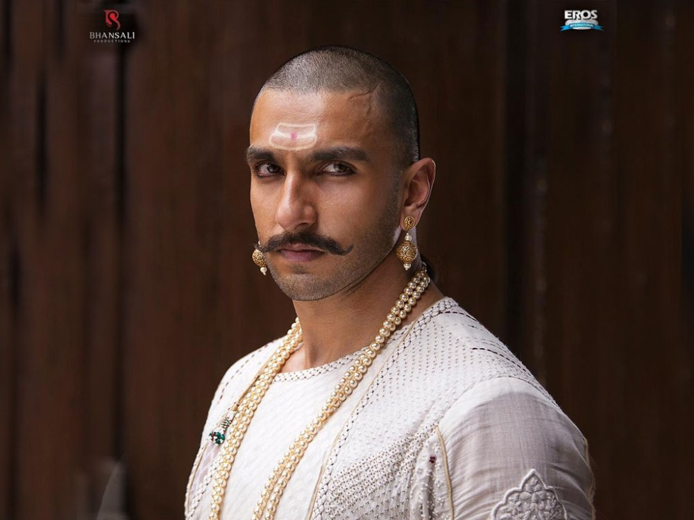 Still of Ranveer Singh as Bajirao in Bajirao Mastani wallpaper