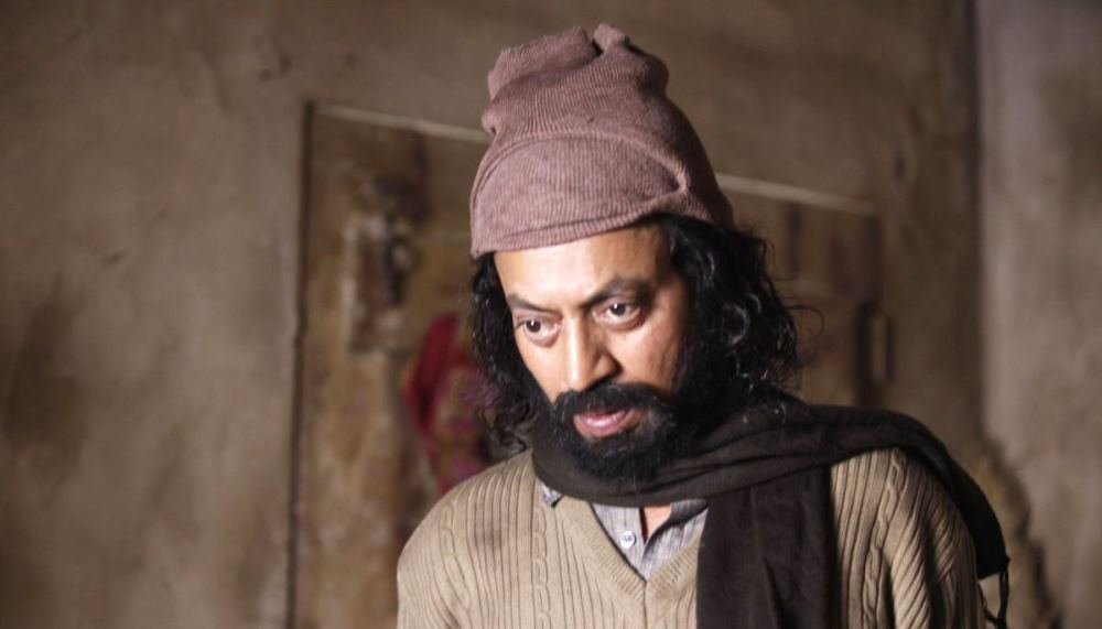 still of irrfan khan in madaari when he kidnaps Rohan