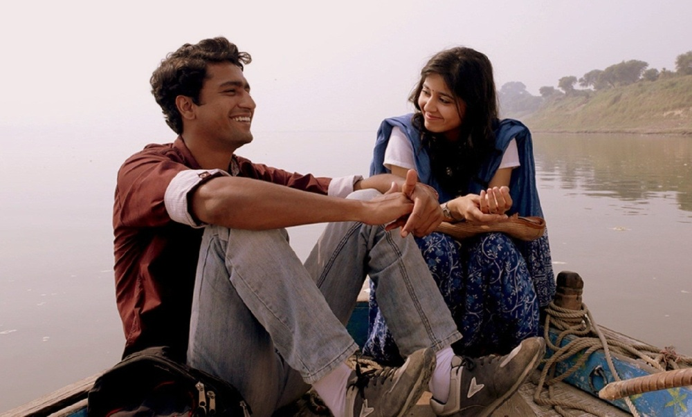 still of Deepak and Shaalu played by Vicky Kaushal and Shweta Tripathi in Masaan