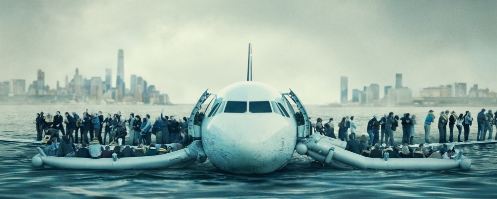 picture of flight 1549 on Hudson river water from Sully movie
