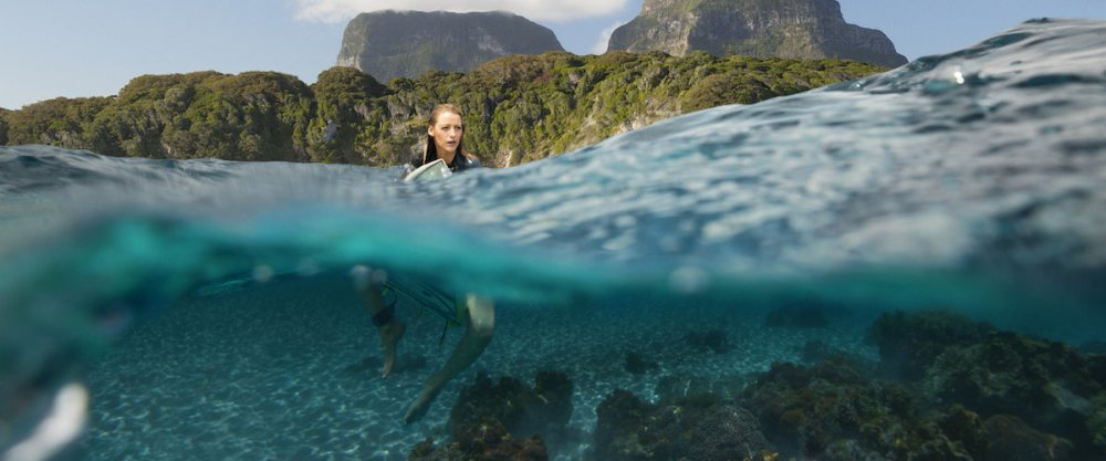 the shallows movie blake lively in water