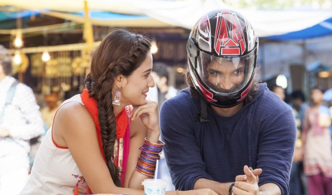 still of sushant singh rajput and disha patani in dhoni film