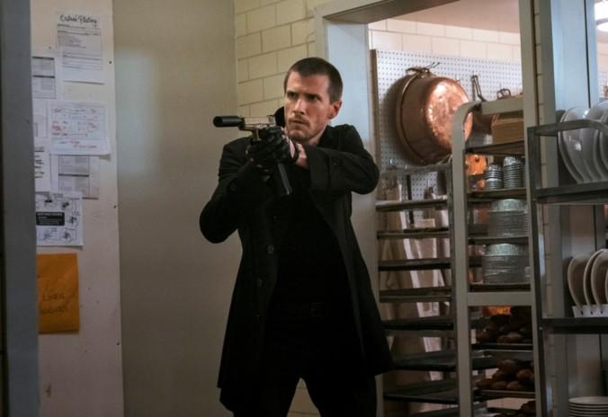 still of Patrick Heusinger as the hunter in Jack Reacher Never Go Back Movie