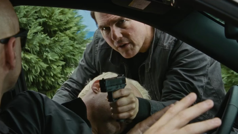 still of jack reacher in never go back jack on following him