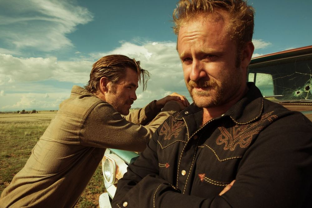 still of Chris Pine and Ben Foster in Hell or High Water Movie