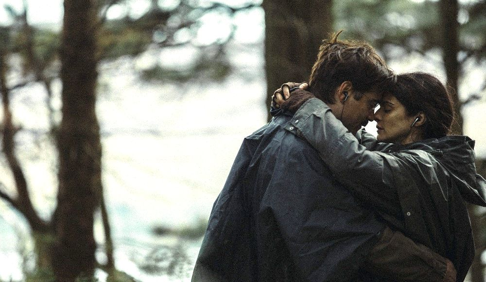 still of Rachel Weisz and Colin Farrell in The Lobster movie