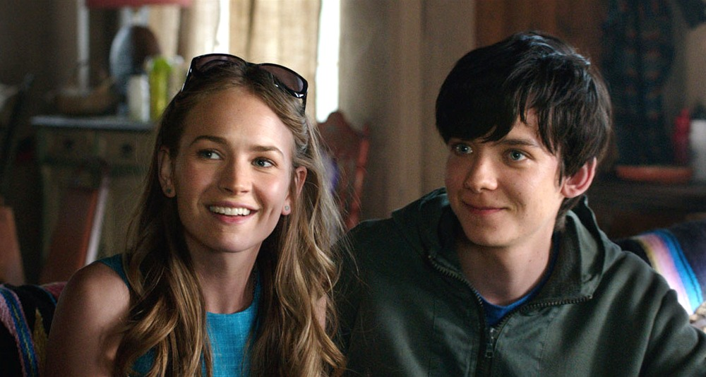 still of Asa Butterfield and Britt Robertson in The Space Between Us