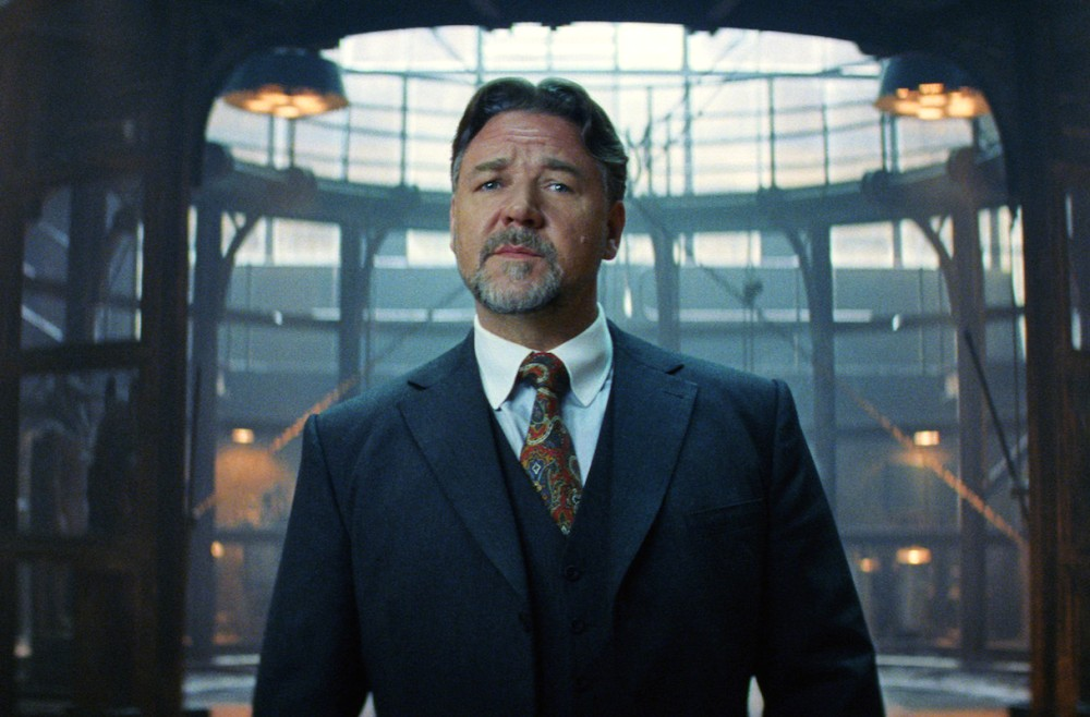Russell Crowe as Dr. Jekyll and Hyde in The Mummy movie