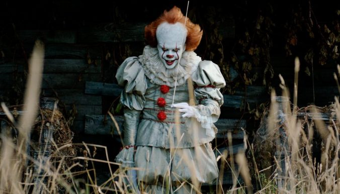 it movie pennywise with the balloon