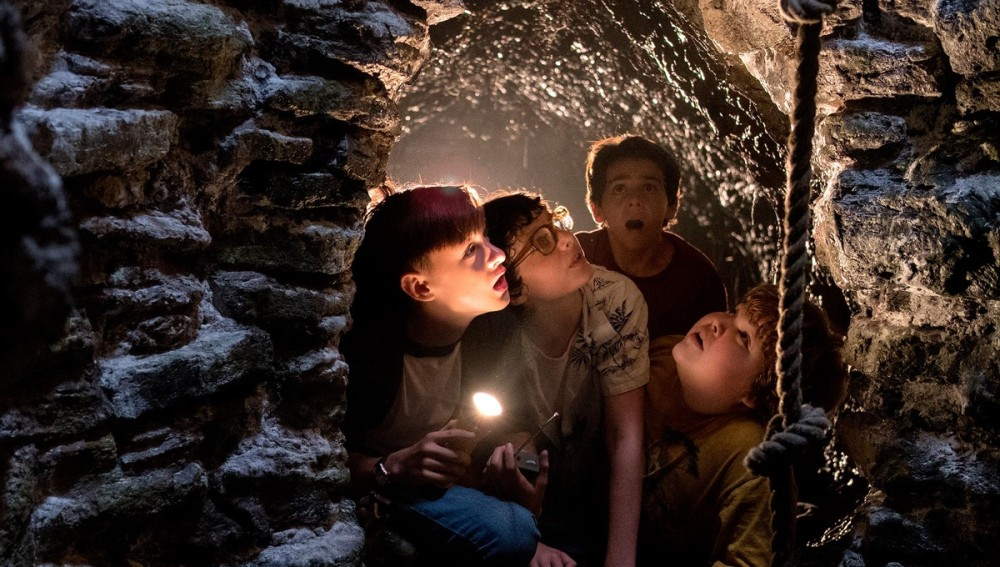 it movie scene of kids in the well