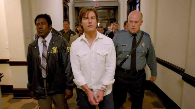 American Made movie still of Tom Cruise