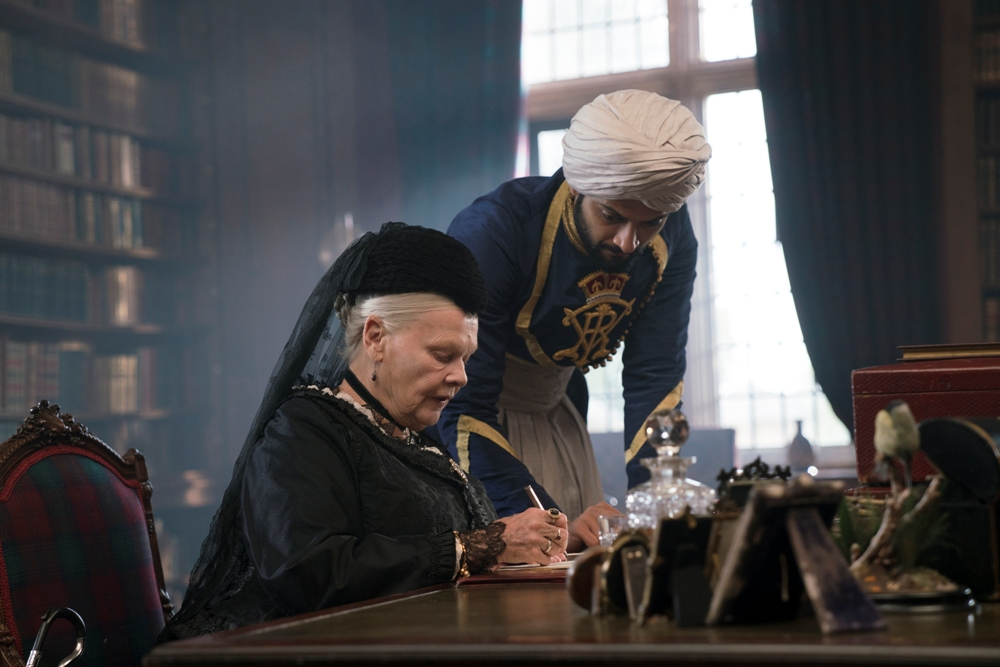 Victoria and Abdul Movie Munshi and Queen