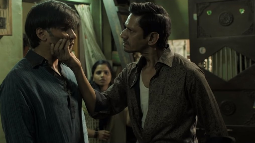 Ranveer Singh and Vijay Raaz in Gully Boy movie