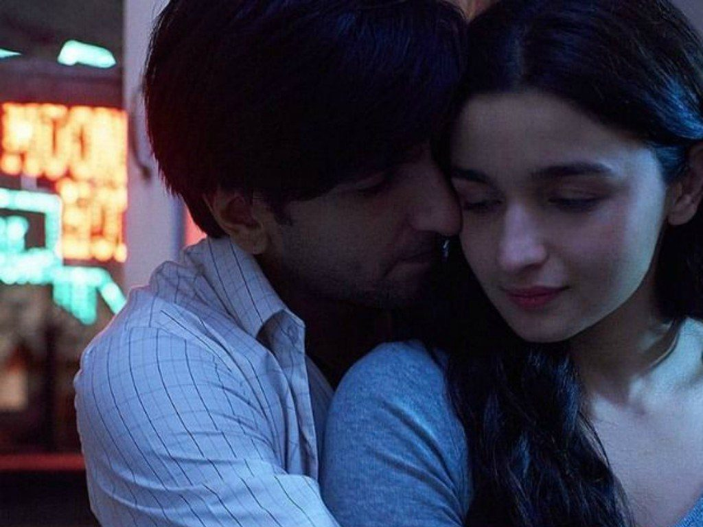 Ranveer Singh and Alia Bhatt in Gully Boy movie