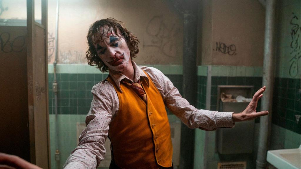 Joker movie still dancing Joaquin Phoenix